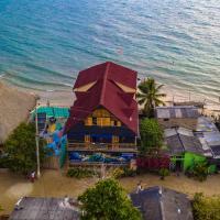 Hostel Blue Sea Rincon del Mar, hotel in Rincón