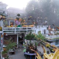 Banthorphan Resort, hotel in Sangkhla Buri