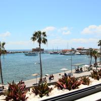 Phaedrus Living: Seaside Luxury Flat Marina Court 213