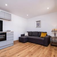 Weeping Willow – Three Tuns Apartments, Pettistree