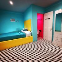 Way Shack Hostel, hotel in Oslob