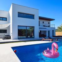Can miami modern house close platja den bossa
