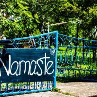 Namaste Hostel & Camping, hotel in Bar