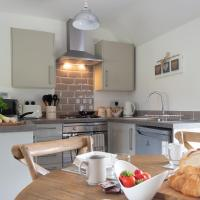 New Apartment with parking near Oxford