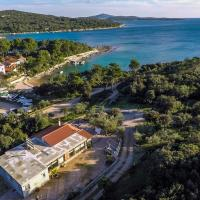 Seaside holiday house Artatore, Losinj - 17102, hotel near Losinj Airport - LSZ, Cunski