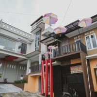 RedDoorz Syariah @ Jalan Dieng, hotel in Wonosobo
