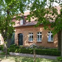 Lindenhof Wohnung 2, Erdgeschoß, Hotel in Vipperow