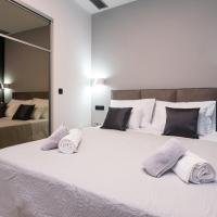 Sky & Sun Luxury Rooms with private parking in the garage