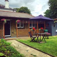 Lovely Garden Chalet in London