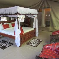 Enchoro Wildlife Camp, hotel in Ololaimutiek