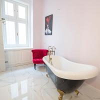 Luxury gorgeous newly refurbished apartment - historic centre
