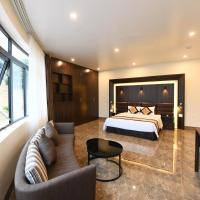 Starlight Boutique Hotel, hotel in Quang Ninh