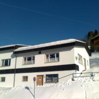 Berg & Skihütte -Schmittenhof, hotel in Laterns