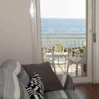 Open Space sul mare tra Etna Taormina Catania, отель в Рипосто
