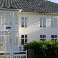 Villa Lind B&B, hotel in Ingatorp