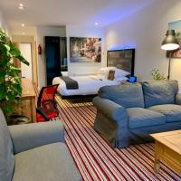 TheWaterfrontLodges, hotel in Bedworth
