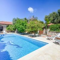 Bitez Villa Sleeps 6 Pool Air Con WiFi T802306