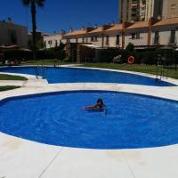 ESTUDIO CON PISCINA Y GARAJE A 100 Mtr DE LA PLAYA, hotel na Isla Cristina