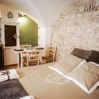 HOME 5 - Via Nuova, hotell i Putignano