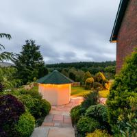 Woodland View Holiday Apartment, hotel in Llanwrda