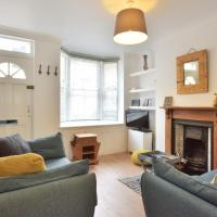 The Grove - Refurbished cottage near city centre