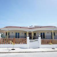 Breezy LR GND Floor Apt Higher Heights, Barbados