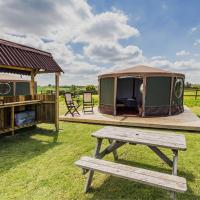 Mousley House Farm Campsite and Glamping, Hotel in Warwick