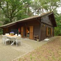 Modern Chalet in Lille With Private Garden, hotel in Lille