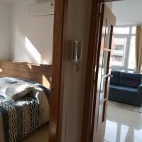 Apartamento en Ribeira(centro) 2* planta, hotel in Ribeira