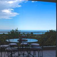 Luxurious Apartment With Sea & Mountain View