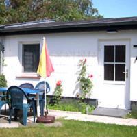 Ferienhaus in Plogshagenauf Hidden, hotel in Neuendorf