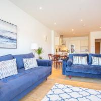 Large 2 Bed Apartment in Great Riverside Location