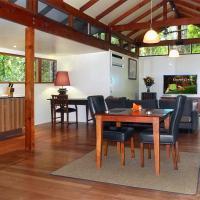 Crystal Creek Rainforest Retreat, hotel in Crystal Creek