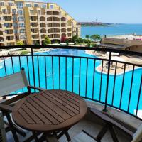 Apartments Midia Resort First Line, хотел в Ахелой
