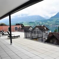 Villa with great lake and mountain view, hotel in Sarnen