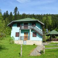 Mystic Forest Hostel, hotel u gradu Mitrovac