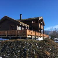 Harpefossen Skisenter og Hyttegrend, hotel in Nordfjordeid