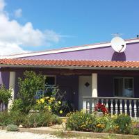 Charming cozy holliday house 2+2, Hotel in der Nähe vom Flughafen Pula - PUY, Valtura