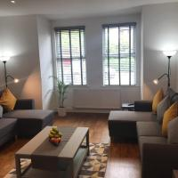 Two Bed Flat in Bush Hill Park, hotel in Enfield