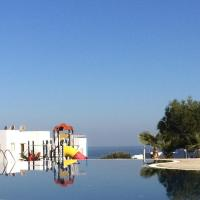 Penthouse (1+1) with mountains and seaviews Seaterra Reserve, hotel in Akanthou
