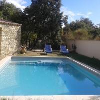 Suite indépendante, hotel in Lagarde-Paréol