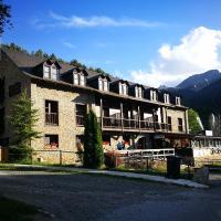 Alberg Les Daines, hotel in Espot