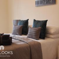 Liverpool House - Sleeps Up To 11, hotel in Birkenhead