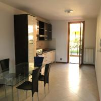 Trilocale in villetta piano terra indipendente, hotel in Osio Sotto