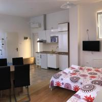 Apartments & Rooms Nardin, hotel in Izola