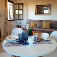 Emmanouil airport beach apartment, hotel in Karteros