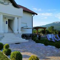 White House Plitvice, hotel in Korenica