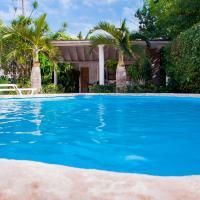 Mansion w/ pool on Havana