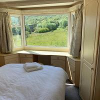 Private Countryside Holiday Cabin 10 mins from Brighton