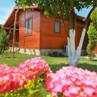 Merry Bungalow & Tent, hotel in Cıralı